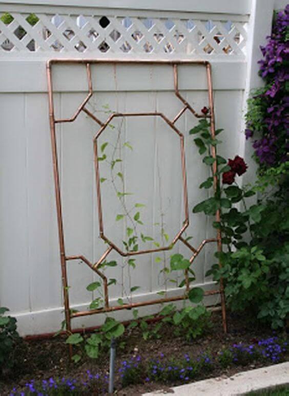 15 simply gorgeous trellis ideas weed 39 em reap for Wire garden trellis designs