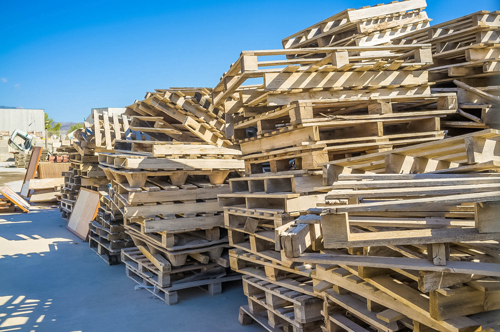 goat house materials pallets